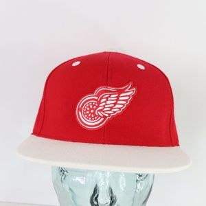 Mitchell & Ness Detroit Red Wings Fitted Hat 7 1/4